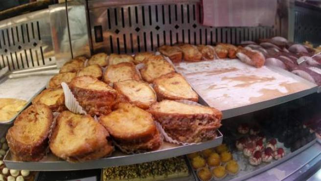Torrijas a la venta en el madrileño horno de San Onofre.