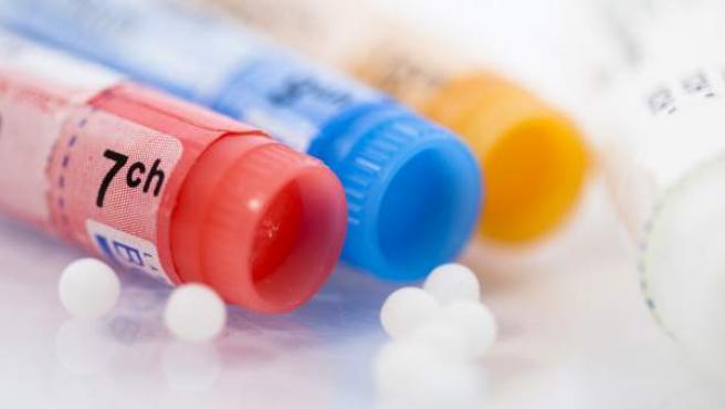 Una serie de botes de productos de homeopatía, en una imagen de archivo.