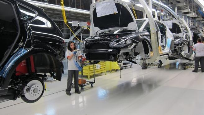 Trabajadoras en la fábrica de Seat en Martorell, una de las plantas de producción de la automovilística.