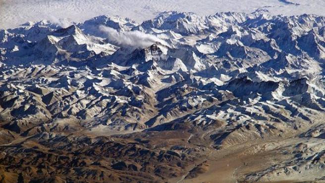 La cordillera del Himalaya, la más alta del mundo, se originó durante el Eoceno.