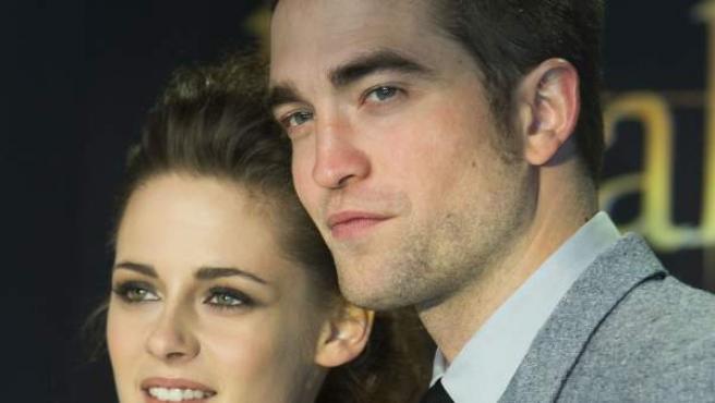 Robert Pattinson y Kristen Stewart, los protagonistas de la saga Crepúsculo.