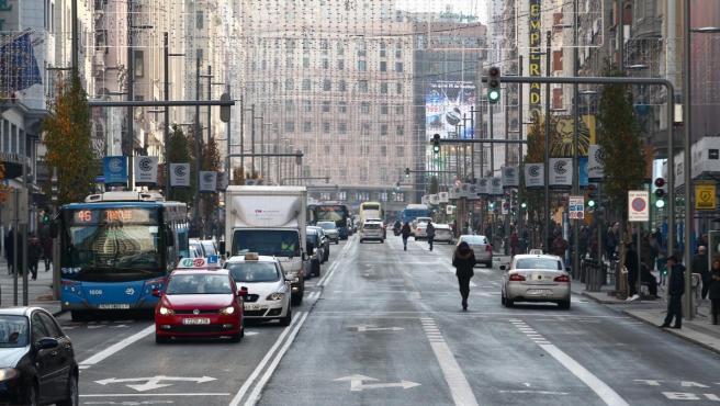 Vista de la Gran Vía el primer día de la entrada en vigor de Madrid Central.