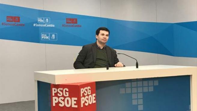El secretario xeral del PSdeG en una rueda de prensa en Santiago