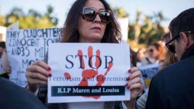 Manifestación en Rabat por la muerte de las turistas nórdicas.