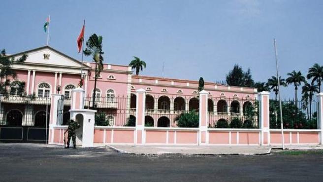 Palacio presidencial en Santo Tomé, capital de Santo Tomé y Príncipe.
