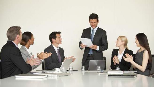 Imagen de una reunión de trabajo en una oficina.