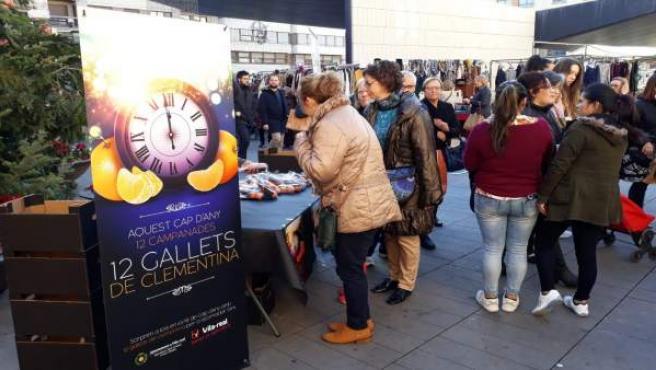 Reparto de mandarinas para Nochevieja en Vila-real