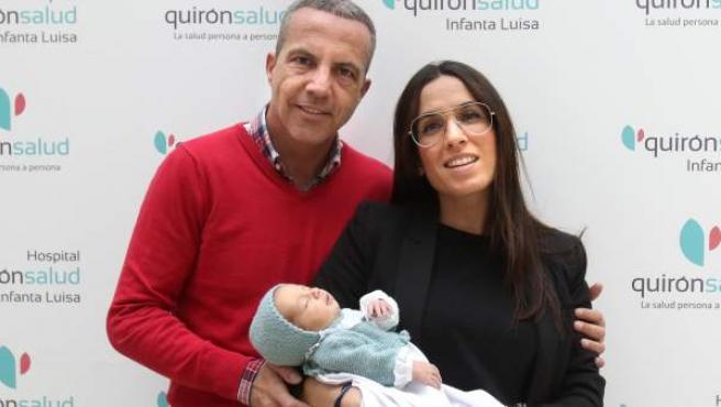 Cristóbal Soria presenta a su segunda hija.