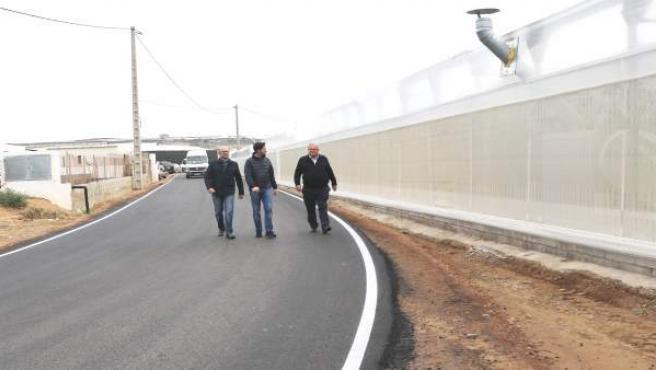 Finalizada las obras del camino que conecta Matagorda y Almerimar