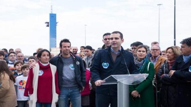 Alcalde de Almería en la inauguración de 'La Ballena'