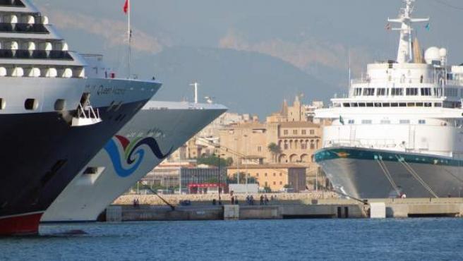 Buques y cruceros en Palma