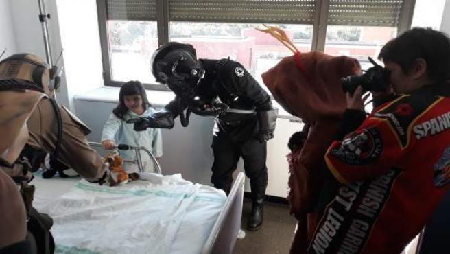 La Legión 501-Spanish Garrison visita el hospital de Guadalajara