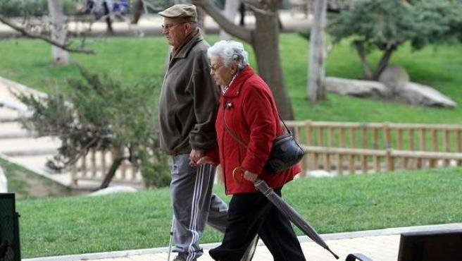 Una pareja de jubilados, en una imagen de archivo.