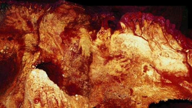 Pinturas rupestres de neandertal de la cueva de Maltravieso de hace 66.000 años