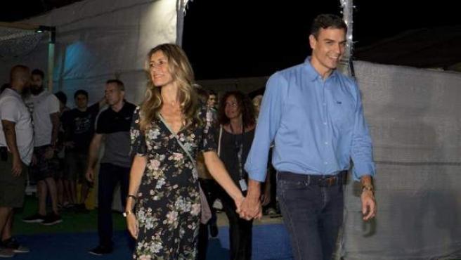 Sánchez y su esposa, a su llegada al concierto de The Killers en el FIB.