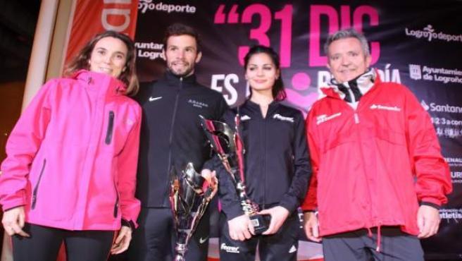 Ganadores San Silvestre reciben premios de manos de Gamarra