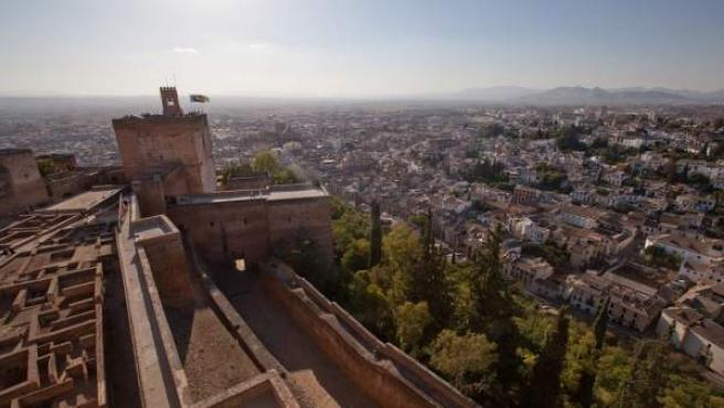 Alcazaba de la Alhambra, vista de la ciudad de Granada