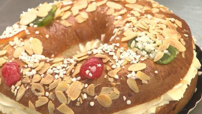 Las pastelerías se llenan de madrileños que siguen la tradición del roscón