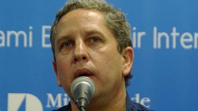 El escritor argentino Guillermo Martínez.