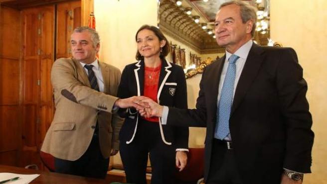 Firma del plan de reindustrialización por el cierre de Cemex en Gádor