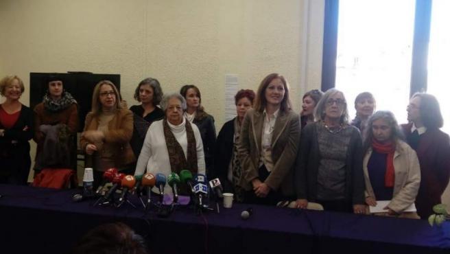 Las organizaciones feministas presentan el manifiesto 'Ni un paso atrás'