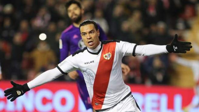 Raúl de Tomás (Rayo Vallecano) celebra un gol.