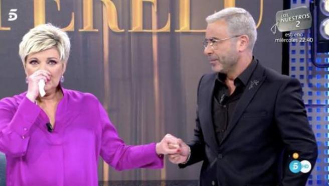 Terelu, emocionada de la mano de Jorge Javier Vázquez, en su vuelta a la televisión tras su doble mastectomía.