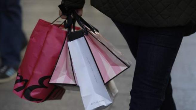 Varias bolsas de compras.