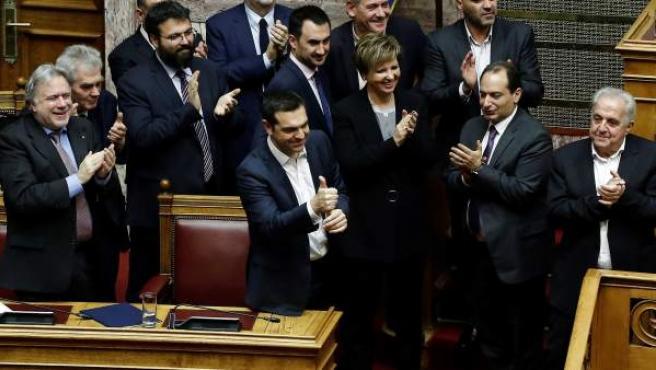 Alexis Tsipras debate sobre una cuestión de confianza.
