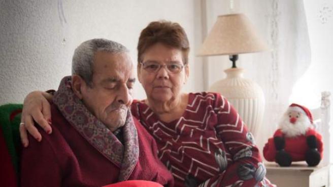 Gladys y su marido, que este año han pedido mantas a Cruz Roja para pasar mejor el invierno.