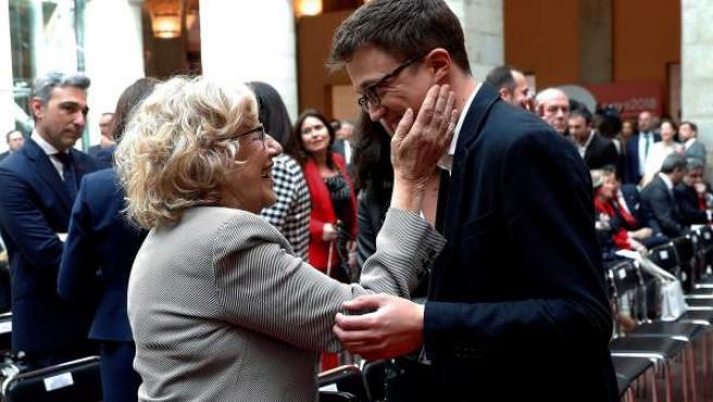 La alcaldesa de Madrid, Manuela Carmena, y el diputado de Podemos, Íñigo Errejón, el pasado 2 de mayo.