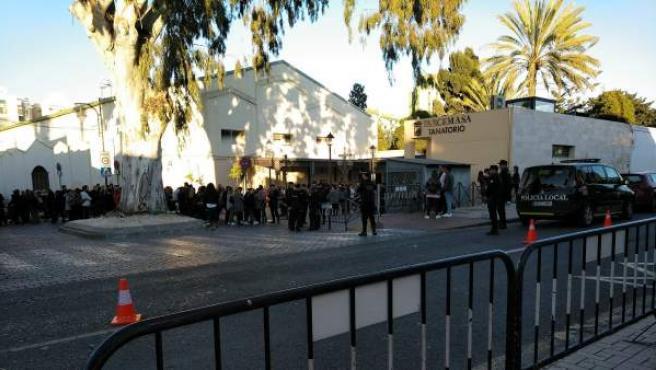 La Policía blinda el tanatorio del Palo donde es velado Julen.