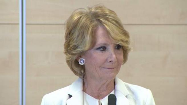 La madrileña Esperanza Aguirre en el momento en el que hizo público que dimitía de sus cargos.