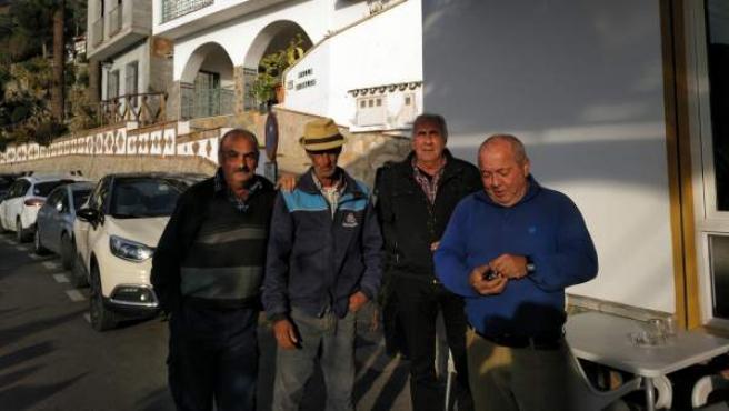 Pepe, Julio, Antonio y José Luis, vecinos de Totalán.