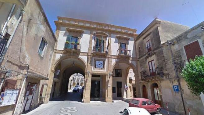 Fachada del Ayuntamiento de Sambuca, en Sicilia.