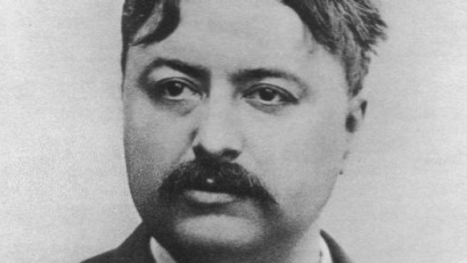 Charles Renard en un retrato de 1884.