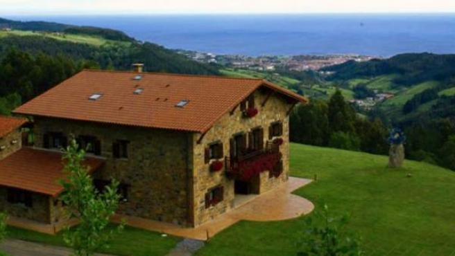 Vista general del Hotel Lurdeia, en Bermeo (Vizcaya).