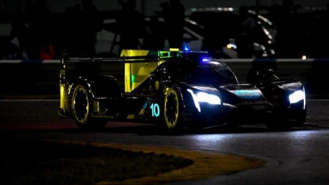 Fernando Alonso, durante la noche de las 24 horas de Daytona.
