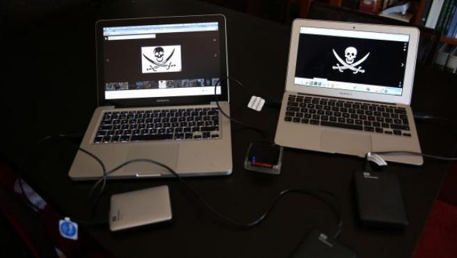 Ordenadores con contenidos piratas, en una imagen de archivo.