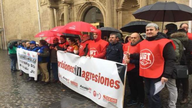 Concentración de trabajadores de la cárcel de Logroño