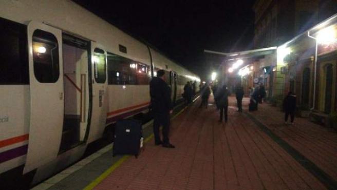 Tren varado en Extremadura. Imagen de archivo