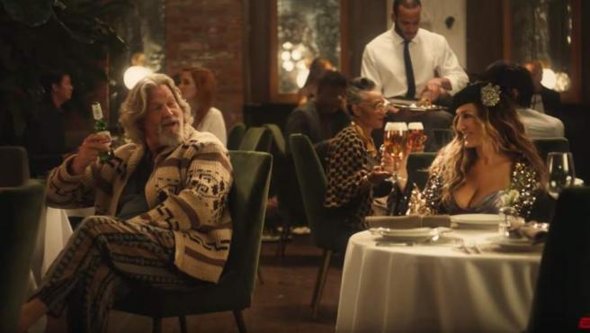 Jeff Bridges y Sarah Jessica Parker, en un anuncio de cerveza Stella.
