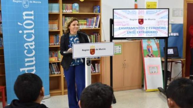 Imágenes de la consejera de Educación, Juventud y Deportes, Adela Martínez-Cachá