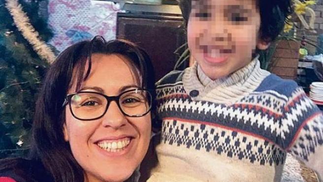 Farah y su hijo Adam, en una foto reciente.