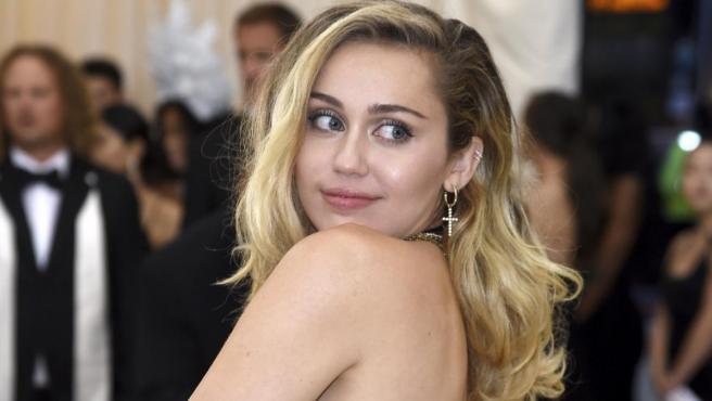 La actriz y cantante Miley Cyrus en la gala del Met en Nueva York, EE. UU.