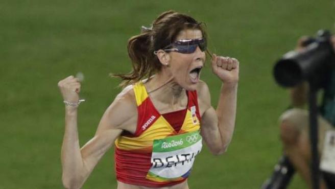 Ruth Beitia, emocionada tras hacer historia con el oro olímpico de Río 2016.