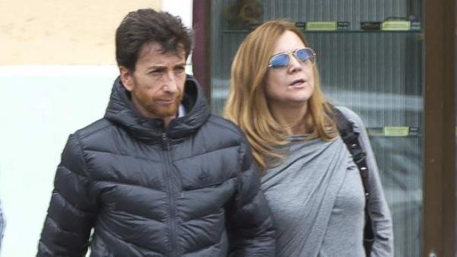 El presentador Pablo Motos con su mujer, Laura Llopis, en una imagen de archivo.