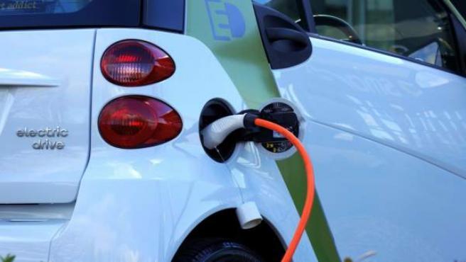 La mayoría de las ayudas disponibles por el momento están destinadas a la adquisición de vehículos eficientes.