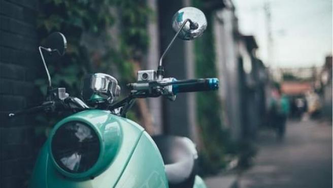 Las motos eléctricas no emiten contaminantes ambientales ni acústicos.