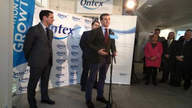 Casado junto a Pablo Pérez y F. Mañueco en la empresa Ontex